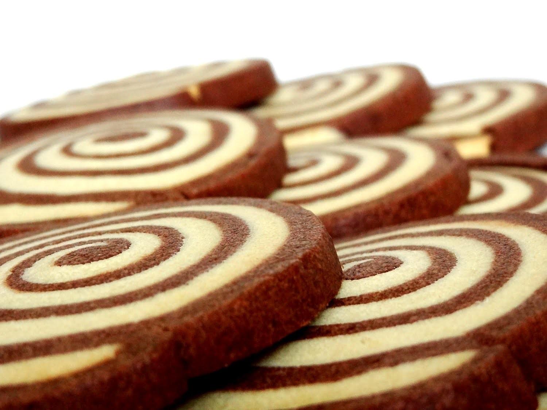 Receta: Galletas en forma de espiral de chocolate y vainilla -- Swirl cookies