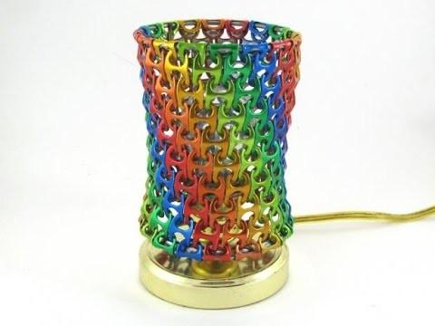 Como hacer una lámpara con anillas de latas