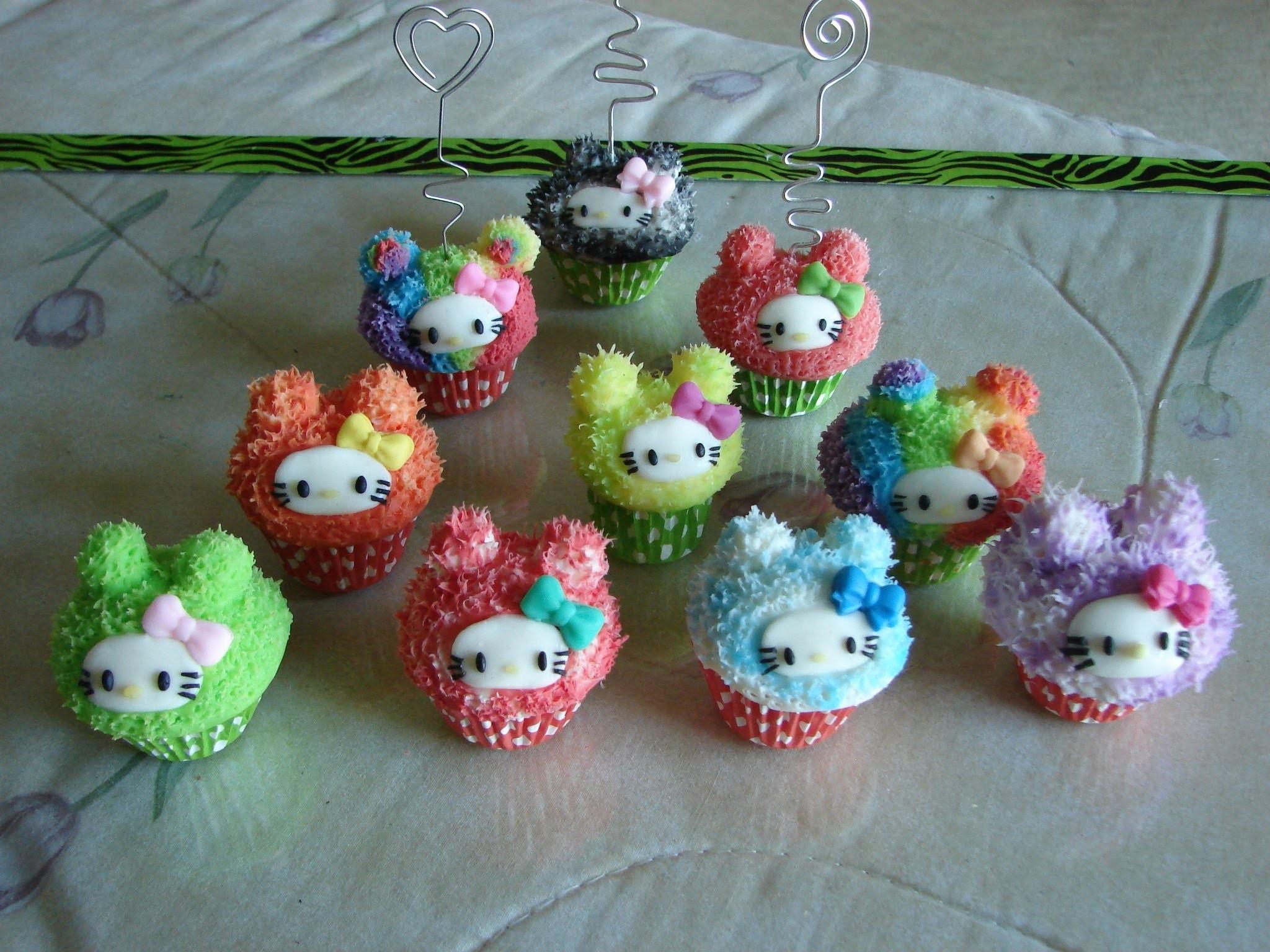 Cupcake de hello  kitty efecto peluche