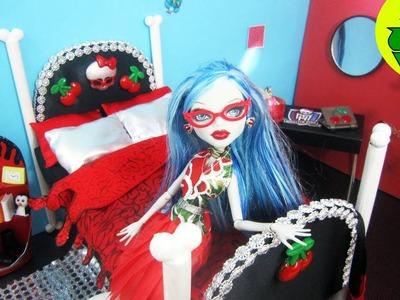 Manualidades para muñecas: Haz una cama inspirada por la muñeca de Monster High Ghoulia Yelps