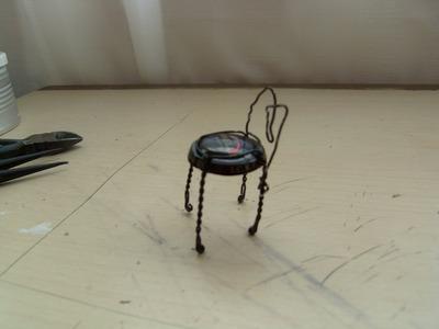 Cómo hacer una silla miniatura.