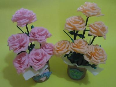 Arreglo floral con flores de papel