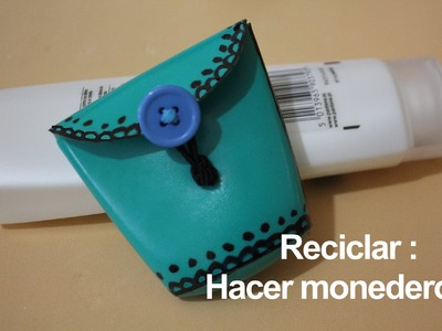 Monedero hecho con bote de Champú. Champoo bottle purse