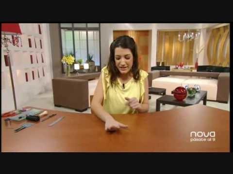 Silvia Mijangos realiza un cuelgamóvil con arcilla polimérica