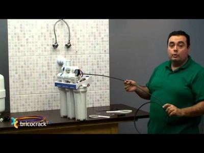Instalar un purificador de agua en casa (BricocrackTV)