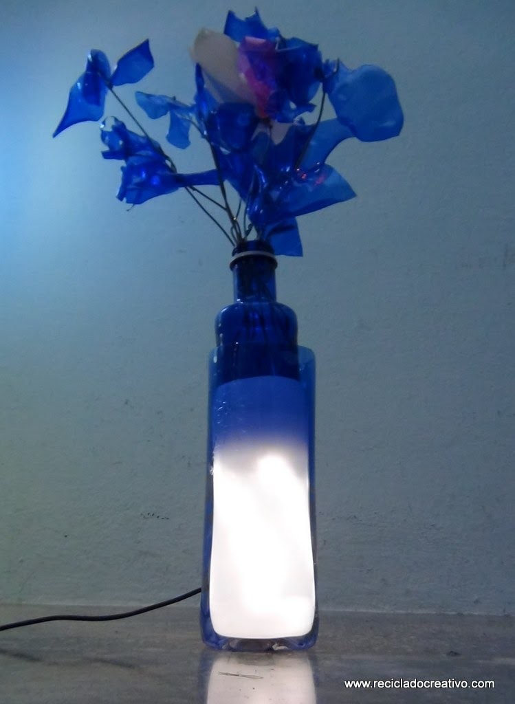 Cómo realizar una lámpara de sobremesa con dos botellas de plástico - lamp out of recycled bottles
