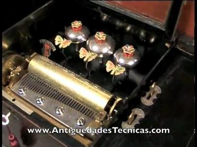 Caja de Música de 10 Melodías, con Mariposas Autómatas, 1880-1900