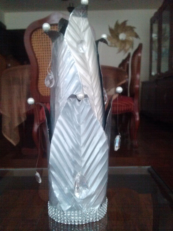 DIY Escultura-florero con latas de refresco. Sculpture-Flower vase out of soda cans