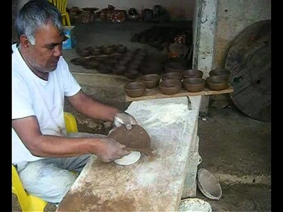 Elaboracion artesanal de macetas de barro