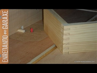 Guía para cortar uniones tipo dedo o lazos para cajas. Finger joint jig, box joint  jig