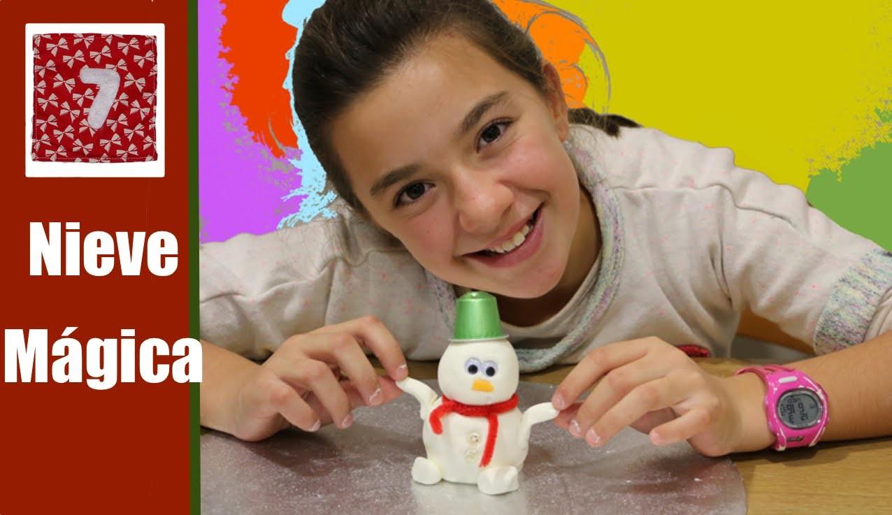 Cómo hacer nieve falsa o masa modelable