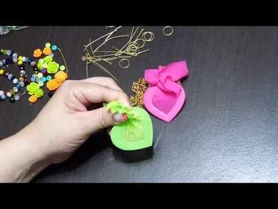 Collares de colores con corazones forrados en malla elástica. colored necklaces for girls