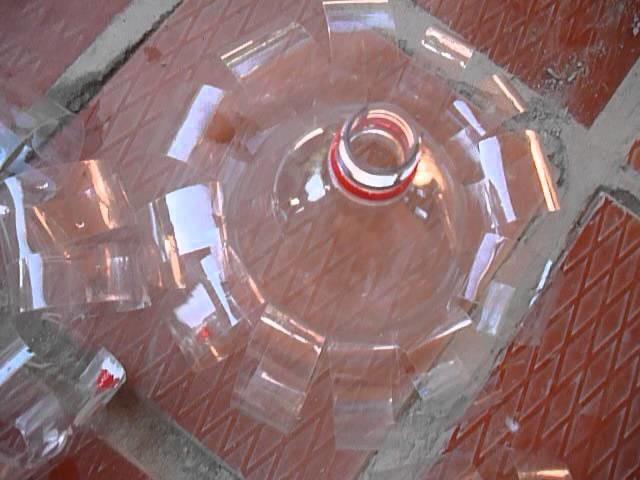 Fabricación de Juguetes en botellas PET para niños. Parte 6. Envases pet convertidos en carros