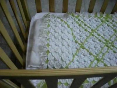 Colcha para cunita  de bebé, hecha de lana, fácil de hacer.