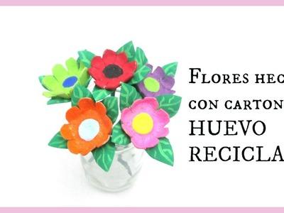 MANUALIDADES FLORES HECHAS CON CARTON DE HUEVO RECICLADO. PRACTIKO
