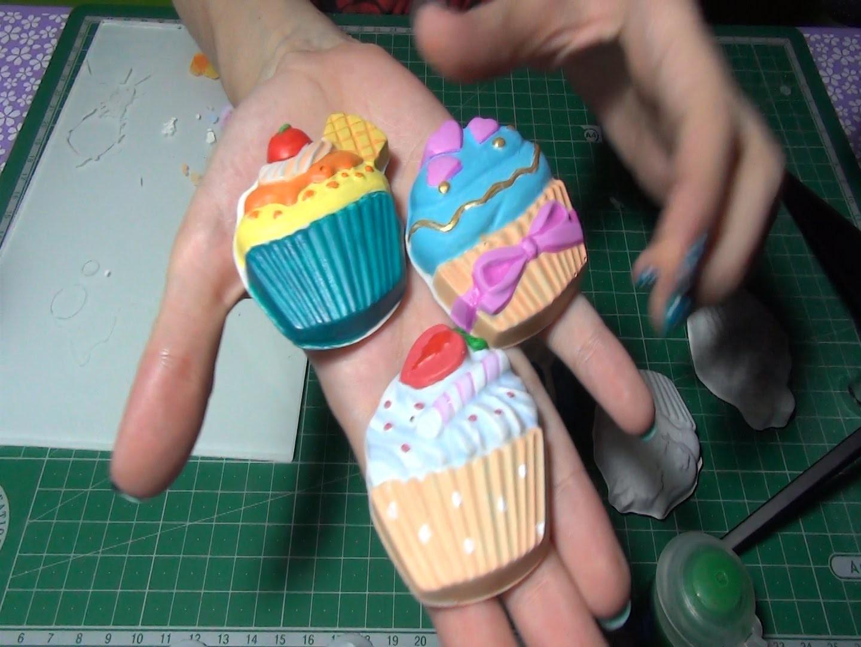 ASMR en español - Pintando los cupcakes de yeso con acrílicos