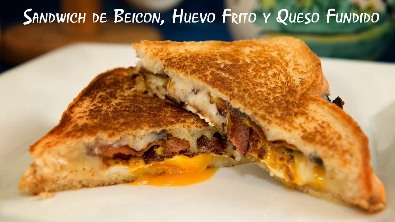 Sandwich de Beicon, Huevo Frito y Queso Fundido