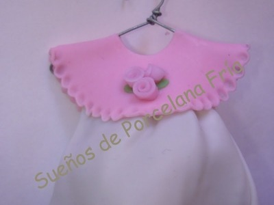 Souvenir nacimiento vestidito en porcelana fria.how to make souvenir of birth in polymer clay