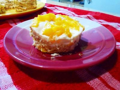 Carlota de durazno con queso crema