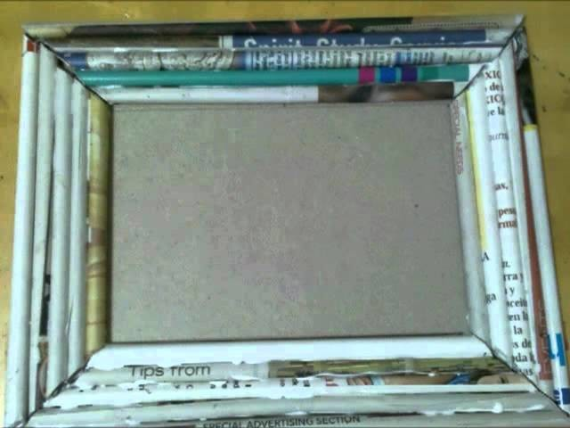 Marco de Periodico. Recycle Newspaper making a frame