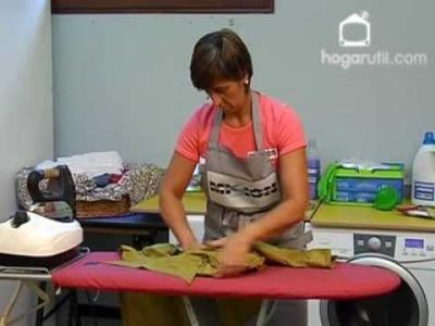Misión impecable, aprende a planchar una camisa en 4 pasos