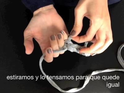 Tutorial I. Cómo tejer una pulsera de trapillo con los dedos