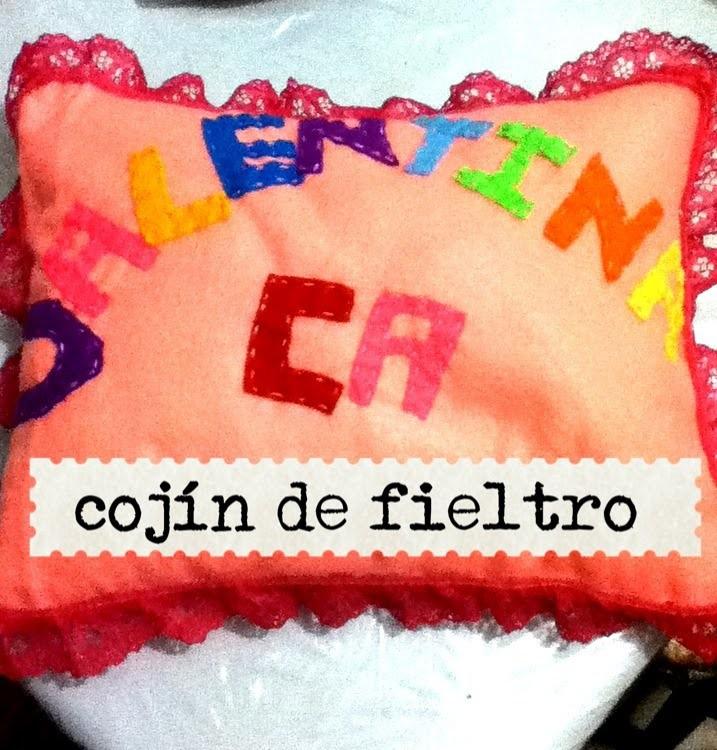 DIY como hacer cojín de fieltro con nombre Felt cushion