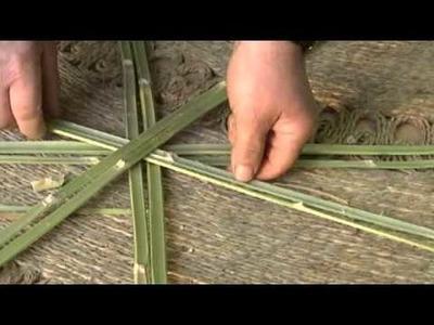 """Tradición y cultura en el Valle de Ricote """"realización de una cesta de caña"""""""