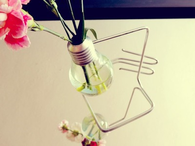 Manualidades - Como hacer un florero con una bombilla | DIY