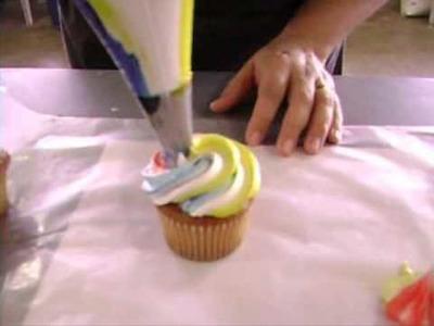 Como decorar un Cupcake con un Cupcake Swirl