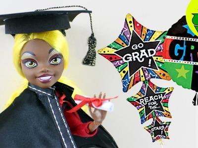 Manualidades para muñecas: Haz un diploma de la graduación, birrete y toga para tu muñecas