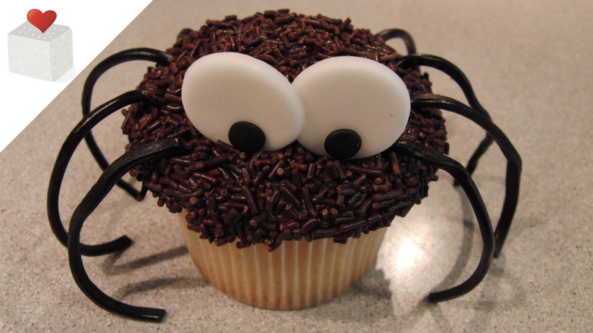 Cómo decorar un Cupcake Araña, ideal para Halloween | Trucos para Cupcakes por Azúcar con Amor