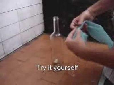 Como sacar el corcho caido dentro de una botella sin romper