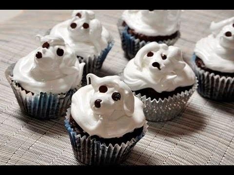 Cupcakes de chocolate con betún de merengue - Chocolate Cupcakes with Merengue Frosting