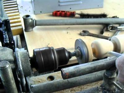 Trompo de madera torneado. Prácticas con Torno Taladro.