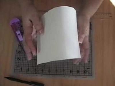 Cómo doblar la cartulina para una tarjeta