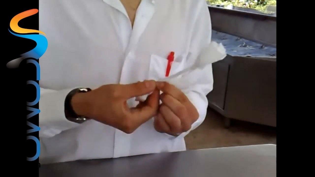 Cómo hacer una rosa con una servilleta
