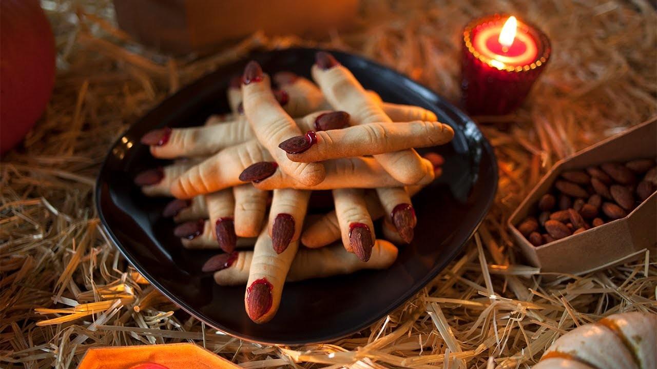 Galletas de dedos de bruja para Halloween