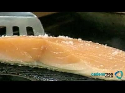 ¿Cómo preparar un deliciosos salmón, de cilantro, y pepitas?. Cocinemos Juntos