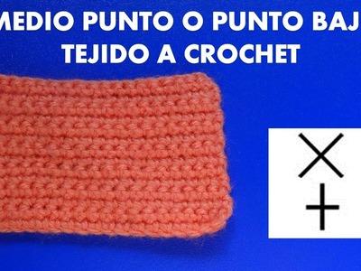 Medio punto o punto bajo tejido a crochet