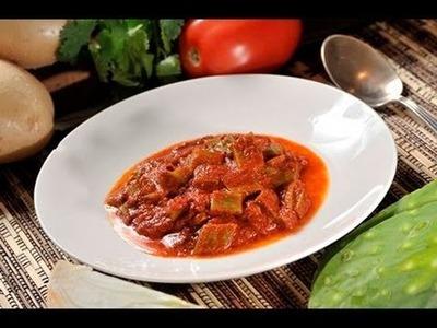 Nopales en salsa de chile colorado - Nopales in Red Chile Sauce