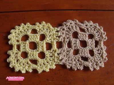 Union de dos aplicaciones cuadradas con picot hechas a crochet