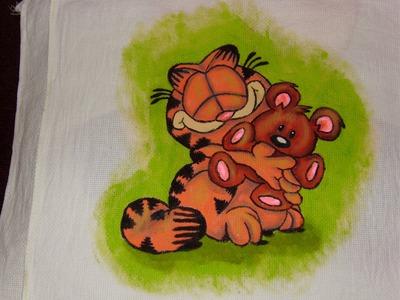 DIY Cómo pintar en tela a Garfield abrazando a Pooky