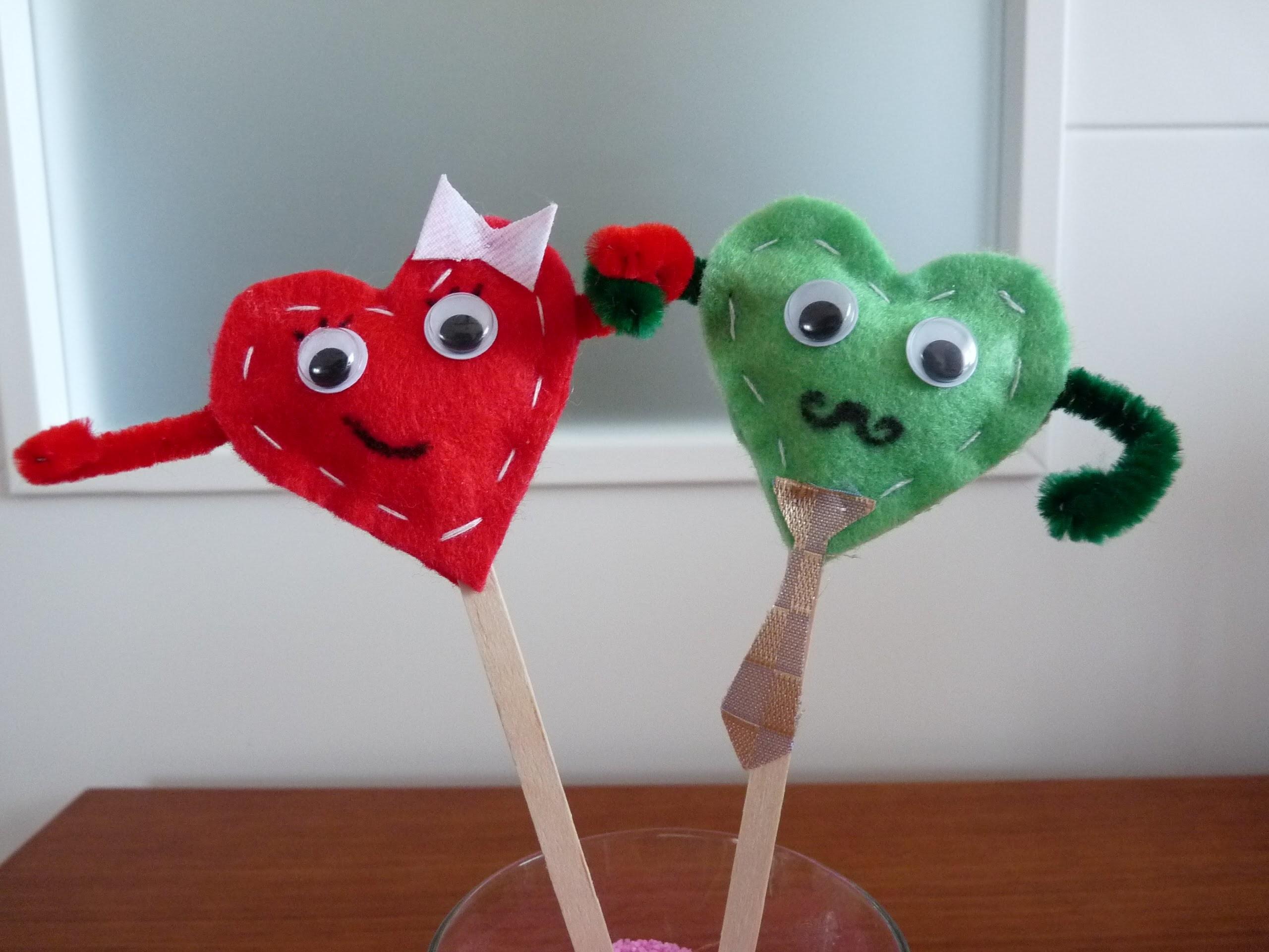 Hacer corazones de fieltro - Manualidades para San Valentín - Sr. y Sra. I Love You