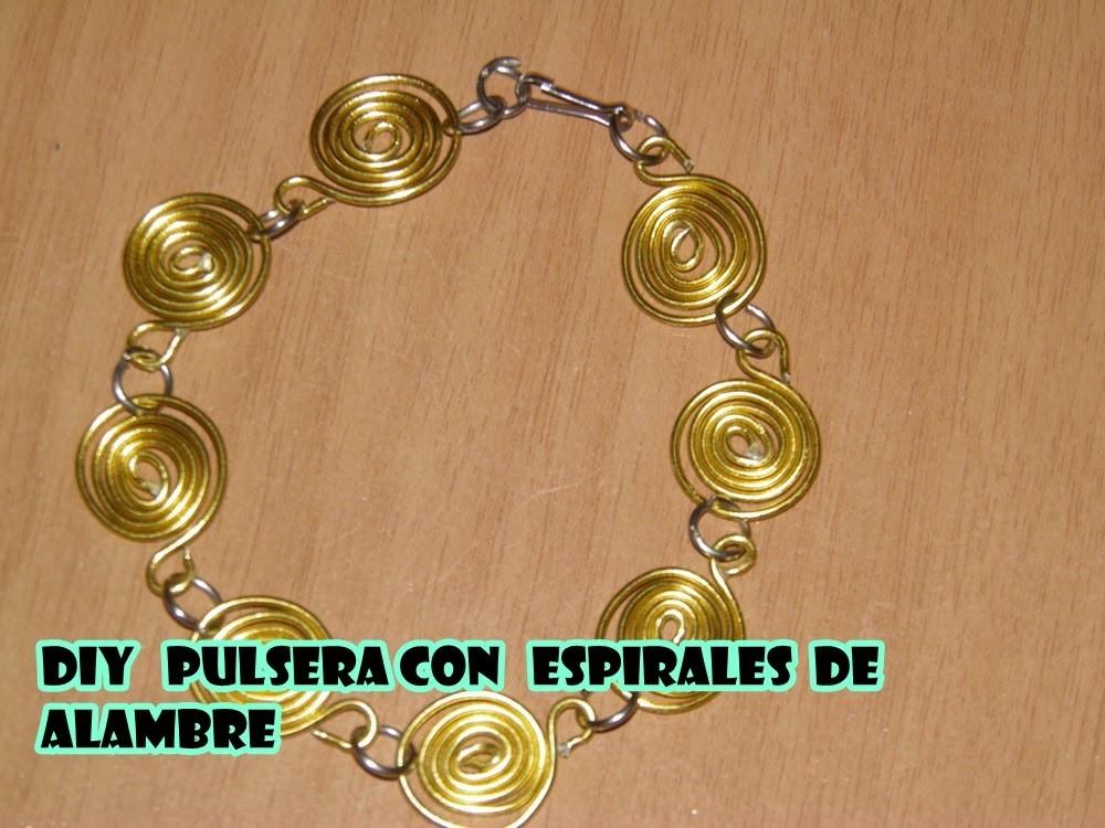 DIY Pulsera de espirales de alambre -  bracelet with wire spirals