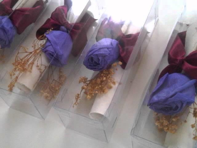 """Invitación para boda """"Ara"""" - Con rosa preservada y papel reciclado."""