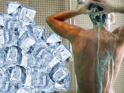 Broma con hielos a mi hermano mientras se baña | videos de risa, bromas pesadas en la ducha, golpes