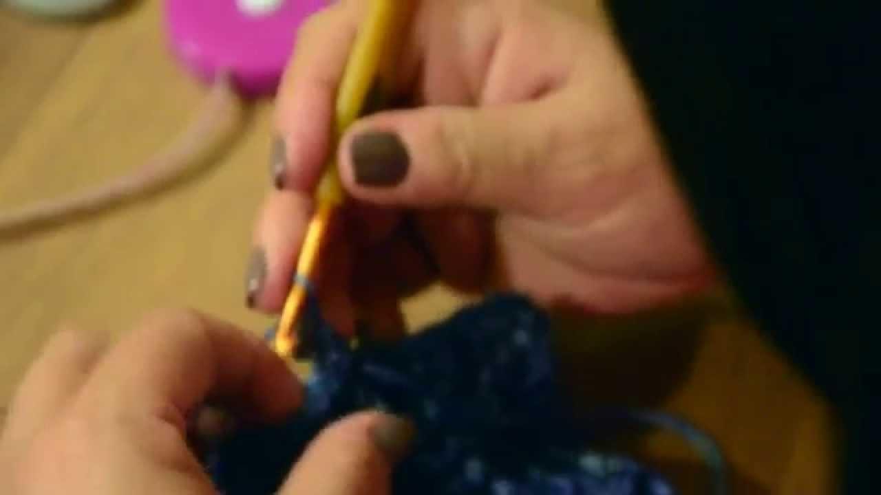 Diadema con botones y mitones tejido a crochet 3