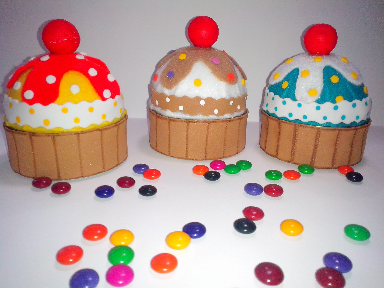Cupcake con latas de atún