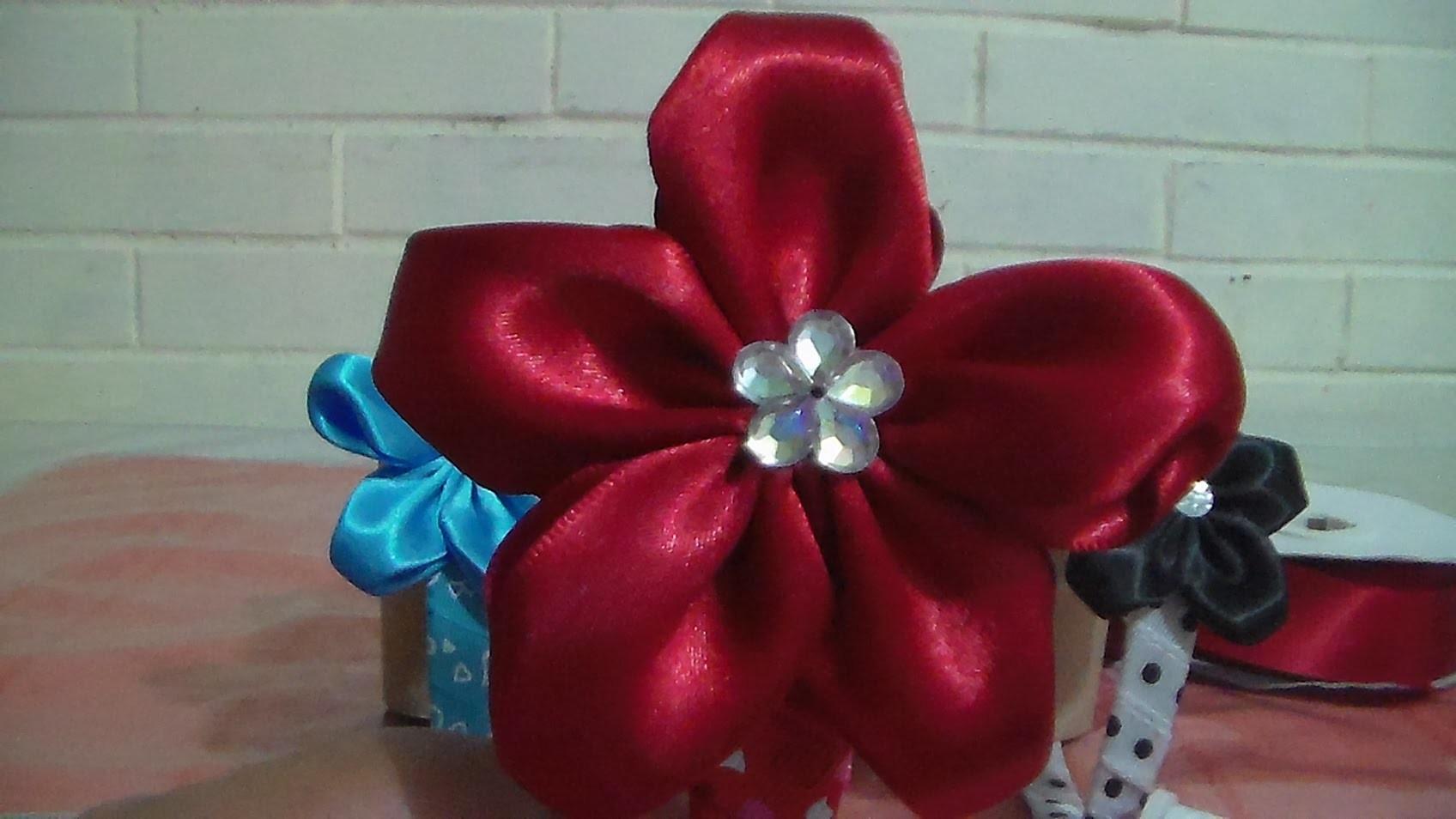 DIY Flor de liston con forma de estrella